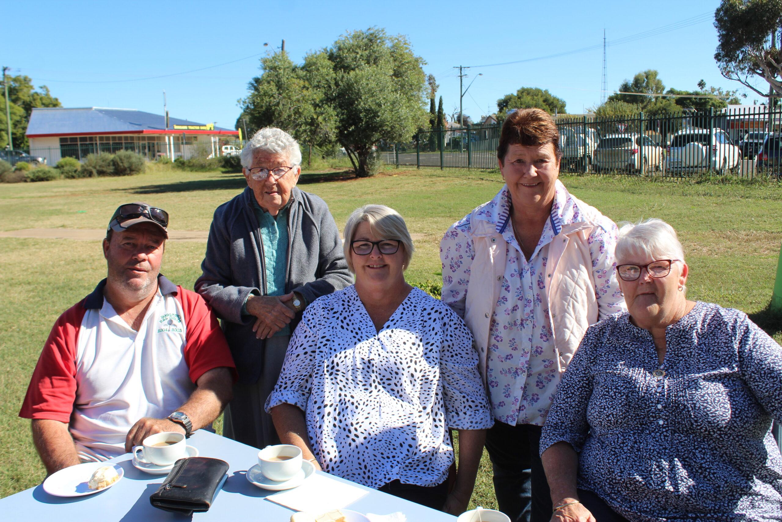 Mark, Gwen and Cherie Tumbers, Brenda Stewart and Sue Foran.