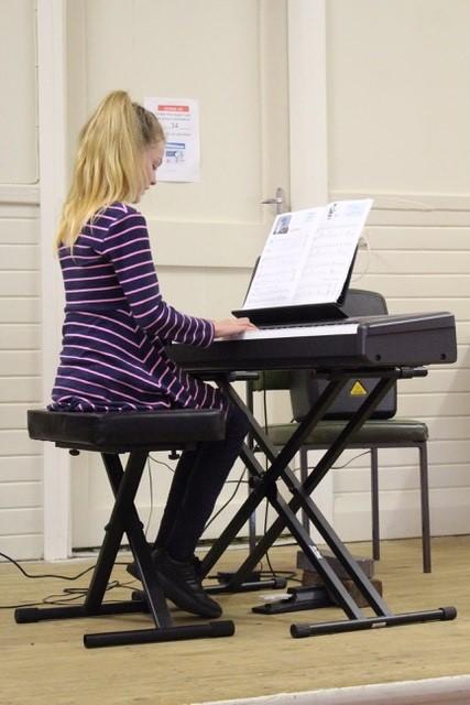 Elizabeth Smith playing a traditional Irish jig.