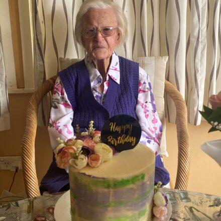 Onus celebrates her 99th birthday   PHOTOS
